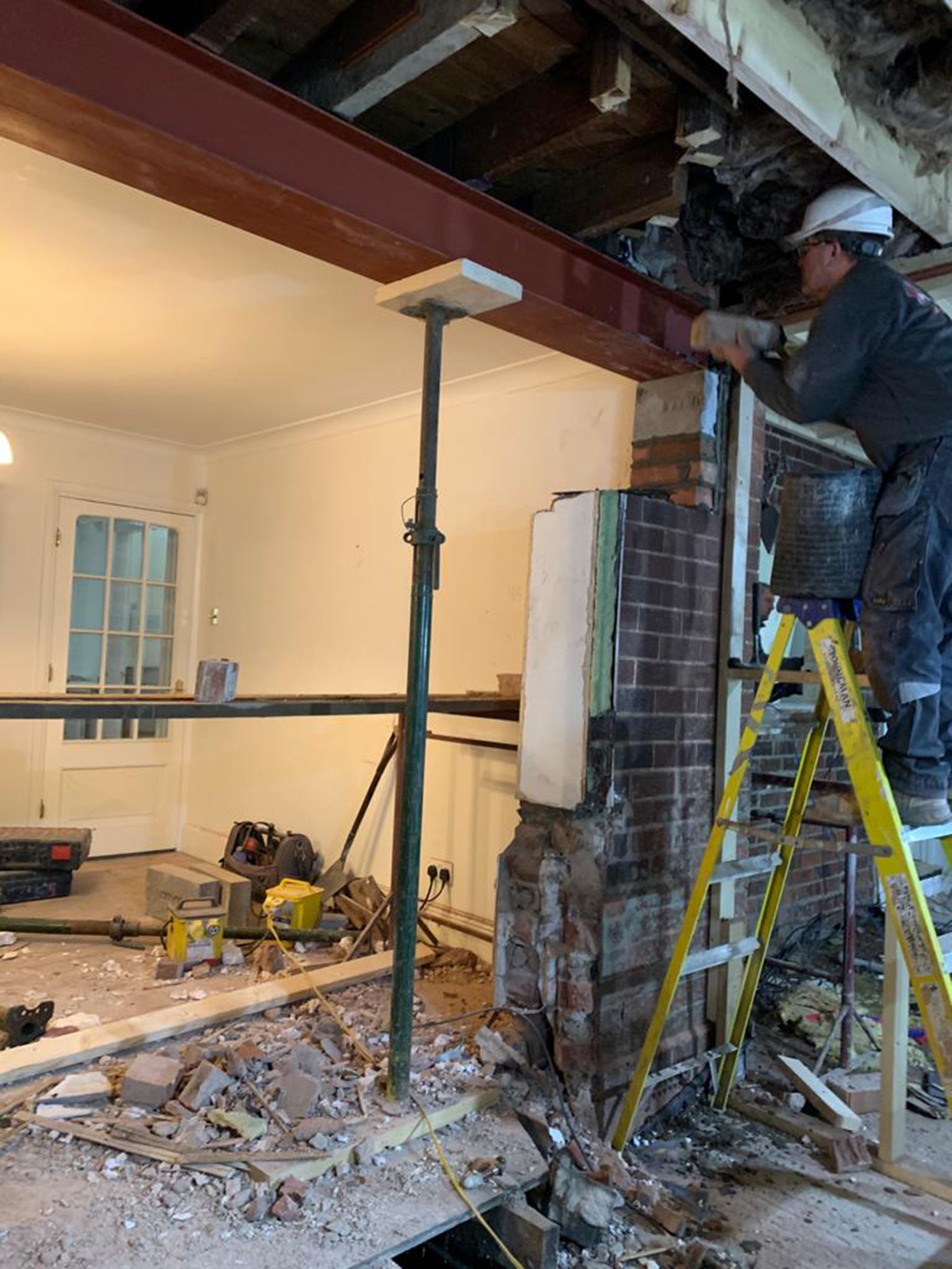 Removing-the-old-external-wall-to-create-an-open-plan-space